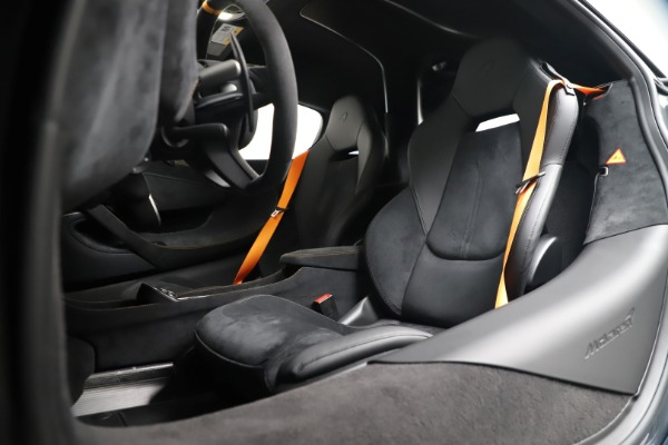 Used 2019 McLaren 600LT for sale $279,900 at Maserati of Greenwich in Greenwich CT 06830 20