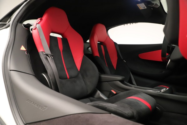 New 2020 McLaren 570S for sale $215,600 at Maserati of Greenwich in Greenwich CT 06830 21