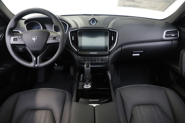 New 2019 Maserati Ghibli S Q4 for sale Sold at Maserati of Greenwich in Greenwich CT 06830 16