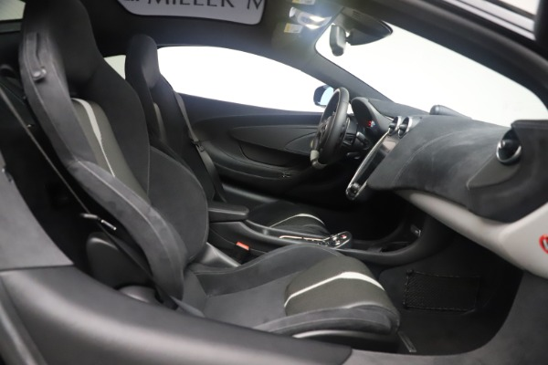 Used 2017 McLaren 570GT Coupe for sale $142,900 at Maserati of Greenwich in Greenwich CT 06830 20
