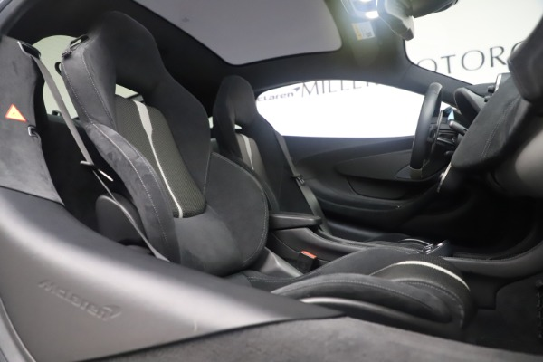 Used 2017 McLaren 570GT Coupe for sale $142,900 at Maserati of Greenwich in Greenwich CT 06830 21