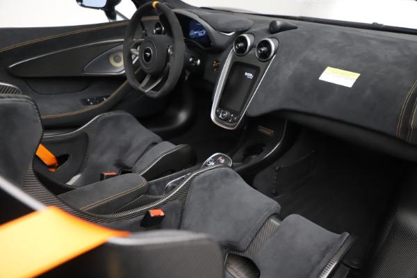 Used 2020 McLaren 600LT SPIDER Convertible for sale $249,900 at Maserati of Greenwich in Greenwich CT 06830 26
