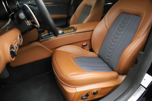 Used 2017 Maserati Quattroporte S Q4 GranLusso for sale Sold at Maserati of Greenwich in Greenwich CT 06830 15