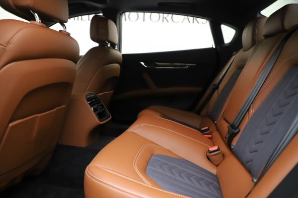 Used 2017 Maserati Quattroporte S Q4 GranLusso for sale Sold at Maserati of Greenwich in Greenwich CT 06830 19