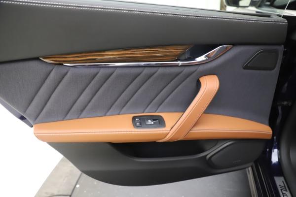 Used 2017 Maserati Quattroporte S Q4 GranLusso for sale Sold at Maserati of Greenwich in Greenwich CT 06830 21