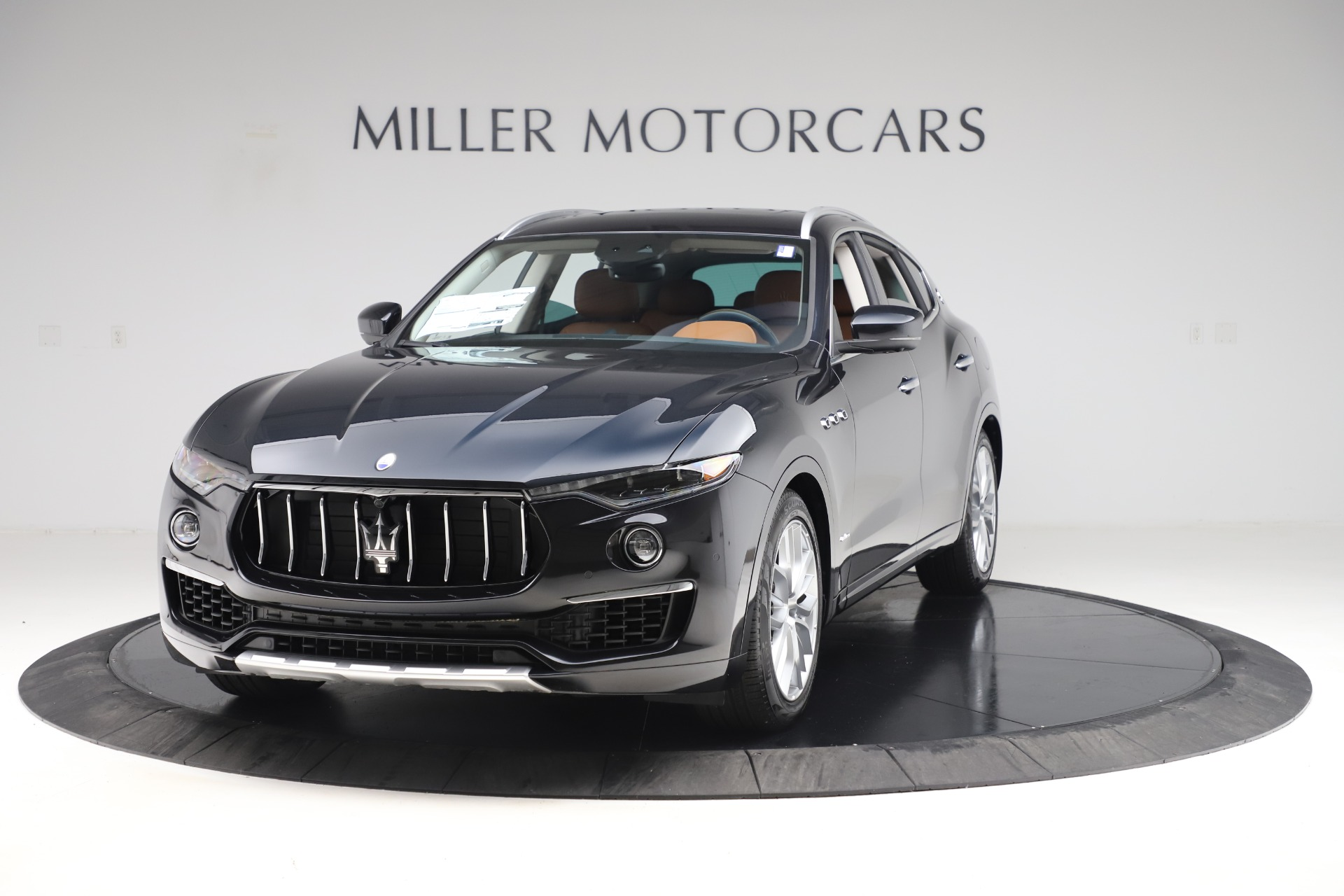 New 2019 Maserati Levante Q4 GranLusso for sale Sold at Maserati of Greenwich in Greenwich CT 06830 1