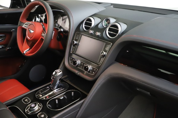 New 2020 Bentley Bentayga V8 for sale $195,265 at Maserati of Greenwich in Greenwich CT 06830 25