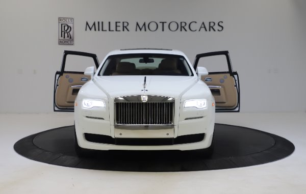 Used 2015 Rolls-Royce Ghost for sale $166,900 at Maserati of Greenwich in Greenwich CT 06830 13