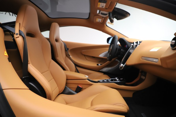 New 2020 McLaren GT Coupe for sale $245,975 at Maserati of Greenwich in Greenwich CT 06830 15