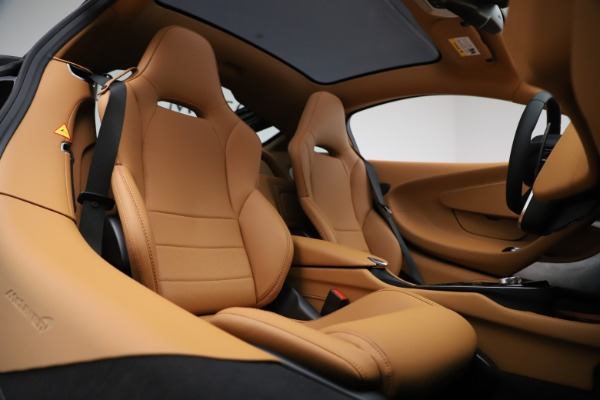 New 2020 McLaren GT Coupe for sale $245,975 at Maserati of Greenwich in Greenwich CT 06830 16
