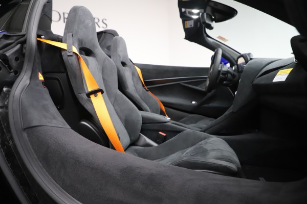 New 2020 McLaren 720S Spider Convertible for sale $364,090 at Maserati of Greenwich in Greenwich CT 06830 26