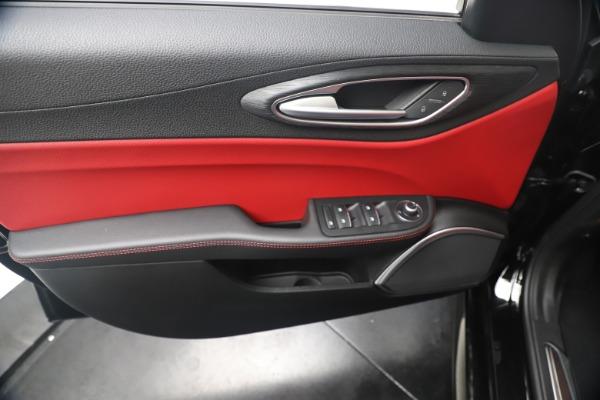 New 2019 Alfa Romeo Giulia Q4 for sale $42,640 at Maserati of Greenwich in Greenwich CT 06830 17