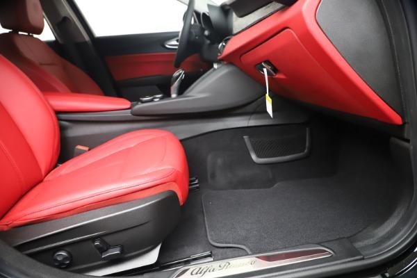New 2019 Alfa Romeo Giulia Q4 for sale $42,640 at Maserati of Greenwich in Greenwich CT 06830 23