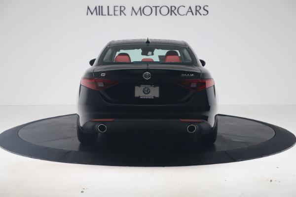 New 2019 Alfa Romeo Giulia Q4 for sale $42,640 at Maserati of Greenwich in Greenwich CT 06830 6