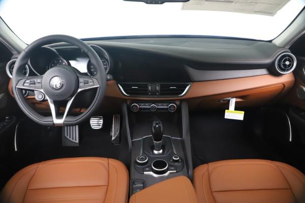 New 2019 Alfa Romeo Giulia Ti Lusso Q4 for sale Sold at Maserati of Greenwich in Greenwich CT 06830 16