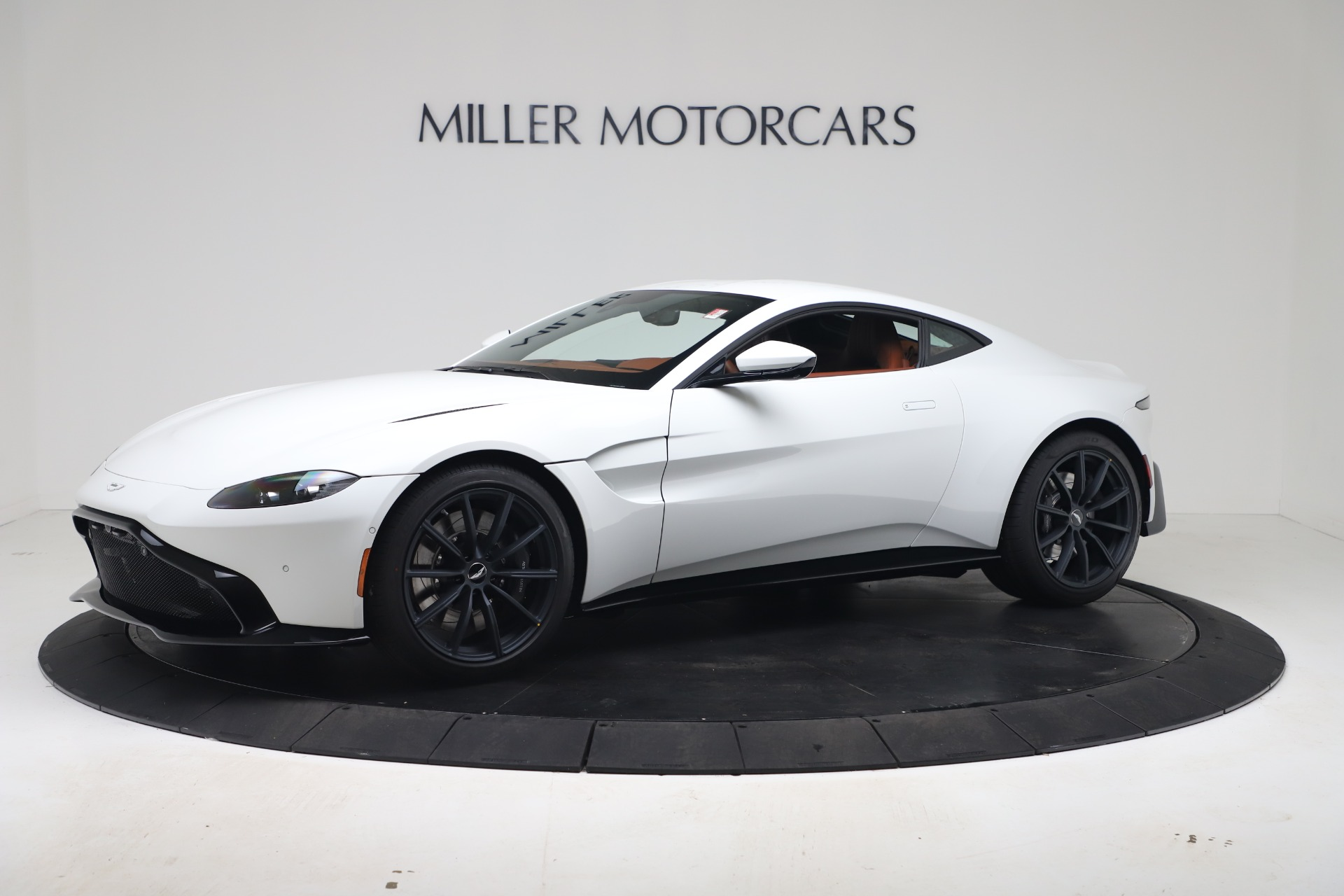 New 2020 Aston Martin Vantage Coupe for sale $190,259 at Maserati of Greenwich in Greenwich CT 06830 1