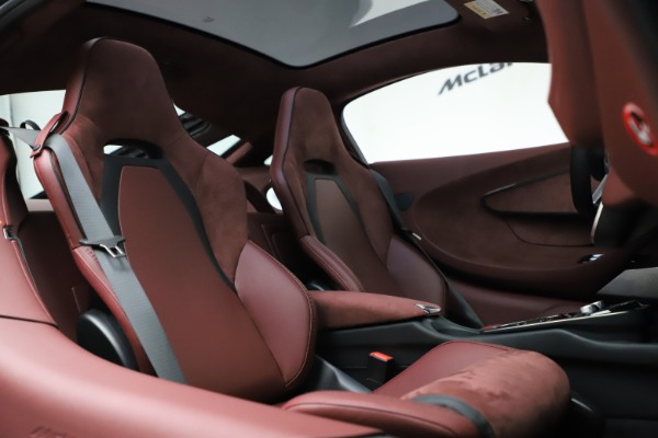 New 2020 McLaren GT Coupe for sale $247,275 at Maserati of Greenwich in Greenwich CT 06830 20