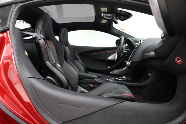 New 2020 McLaren GT Coupe for sale $249,275 at Maserati of Greenwich in Greenwich CT 06830 18