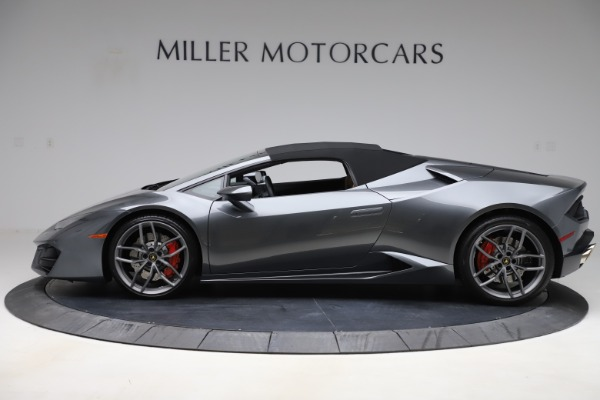 Used 2018 Lamborghini Huracan LP 580-2 Spyder for sale $203,900 at Maserati of Greenwich in Greenwich CT 06830 14