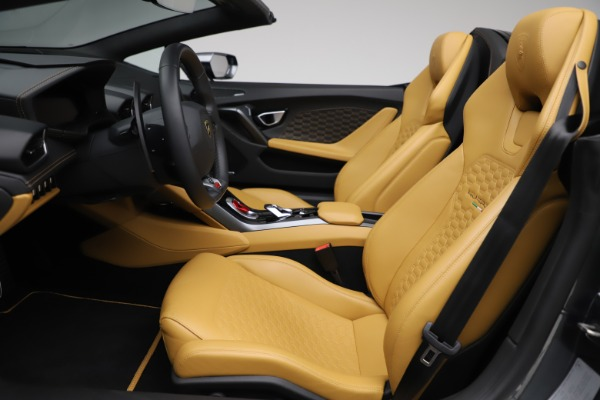 Used 2018 Lamborghini Huracan LP 580-2 Spyder for sale $203,900 at Maserati of Greenwich in Greenwich CT 06830 18