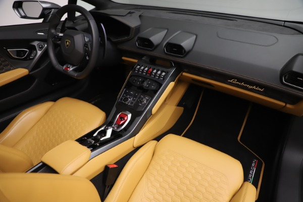 Used 2018 Lamborghini Huracan LP 580-2 Spyder for sale $203,900 at Maserati of Greenwich in Greenwich CT 06830 22