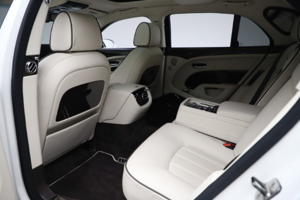 Used 2016 Bentley Mulsanne for sale $139,900 at Maserati of Greenwich in Greenwich CT 06830 21