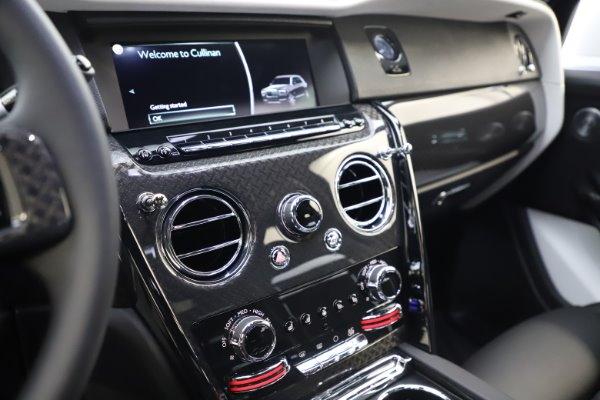 New 2020 Rolls-Royce Cullinan Black Badge for sale $451,625 at Maserati of Greenwich in Greenwich CT 06830 18