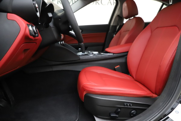 New 2020 Alfa Romeo Giulia Q4 for sale $45,740 at Maserati of Greenwich in Greenwich CT 06830 14