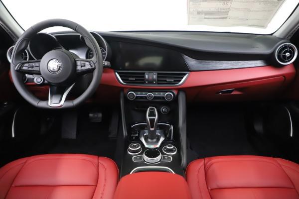 New 2020 Alfa Romeo Giulia Q4 for sale $45,740 at Maserati of Greenwich in Greenwich CT 06830 16