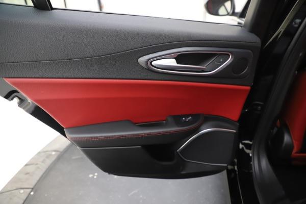 New 2020 Alfa Romeo Giulia Q4 for sale $45,740 at Maserati of Greenwich in Greenwich CT 06830 21