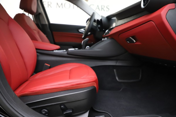 New 2020 Alfa Romeo Giulia Q4 for sale $45,740 at Maserati of Greenwich in Greenwich CT 06830 23