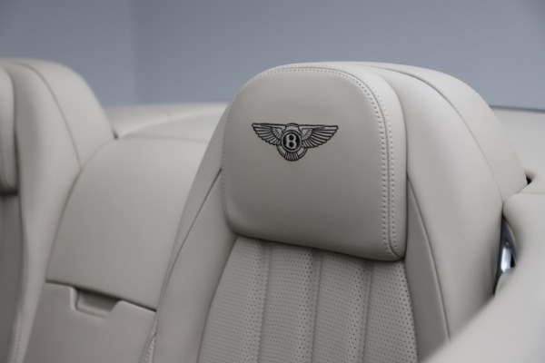 Used 2015 Bentley Continental GTC V8 for sale $109,900 at Maserati of Greenwich in Greenwich CT 06830 27