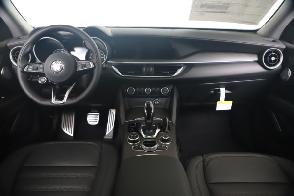 New 2020 Alfa Romeo Stelvio Ti Lusso Q4 for sale Sold at Maserati of Greenwich in Greenwich CT 06830 16
