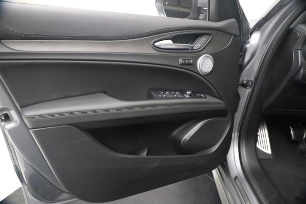 New 2020 Alfa Romeo Stelvio Ti Lusso Q4 for sale Sold at Maserati of Greenwich in Greenwich CT 06830 17