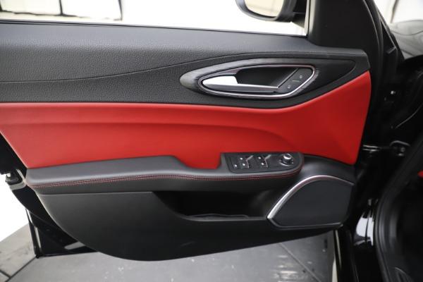 New 2020 Alfa Romeo Giulia Q4 for sale $45,740 at Maserati of Greenwich in Greenwich CT 06830 17