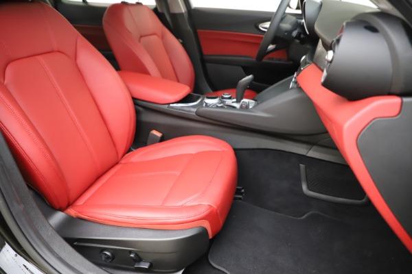 New 2020 Alfa Romeo Giulia Q4 for sale Sold at Maserati of Greenwich in Greenwich CT 06830 24