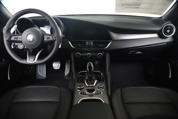 New 2020 Alfa Romeo Giulia Sport Q4 for sale $42,790 at Maserati of Greenwich in Greenwich CT 06830 16
