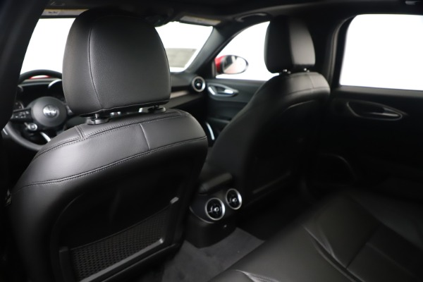 New 2020 Alfa Romeo Giulia Sport Q4 for sale $42,790 at Maserati of Greenwich in Greenwich CT 06830 20