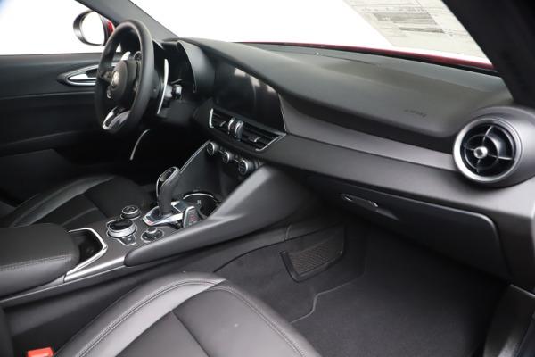New 2020 Alfa Romeo Giulia Sport Q4 for sale $42,790 at Maserati of Greenwich in Greenwich CT 06830 22