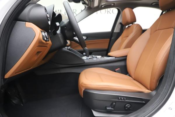 New 2020 Alfa Romeo Giulia Q4 for sale $45,590 at Maserati of Greenwich in Greenwich CT 06830 15