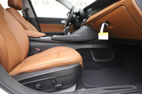 New 2020 Alfa Romeo Giulia Q4 for sale $45,590 at Maserati of Greenwich in Greenwich CT 06830 24