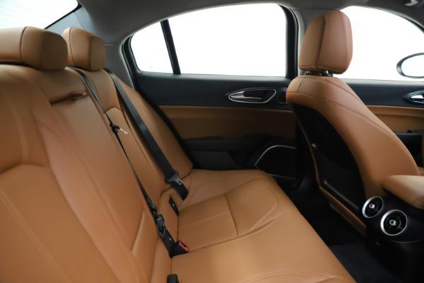 New 2020 Alfa Romeo Giulia Q4 for sale $45,590 at Maserati of Greenwich in Greenwich CT 06830 28