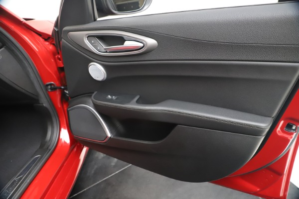 New 2020 Alfa Romeo Giulia Ti Sport Q4 for sale $56,690 at Maserati of Greenwich in Greenwich CT 06830 25