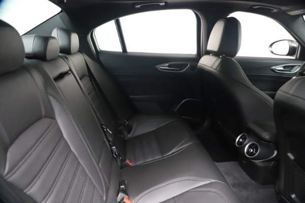 New 2020 Alfa Romeo Giulia Ti Sport Q4 for sale $56,690 at Maserati of Greenwich in Greenwich CT 06830 27