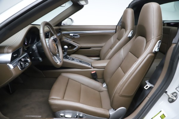 Used 2018 Porsche 911 Targa 4S for sale $134,900 at Maserati of Greenwich in Greenwich CT 06830 18