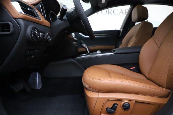 New 2020 Maserati Ghibli S Q4 for sale Sold at Maserati of Greenwich in Greenwich CT 06830 14