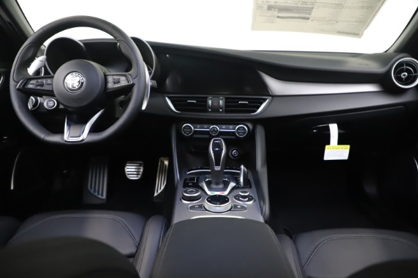 New 2020 Alfa Romeo Giulia Ti Sport Q4 for sale $51,590 at Maserati of Greenwich in Greenwich CT 06830 16