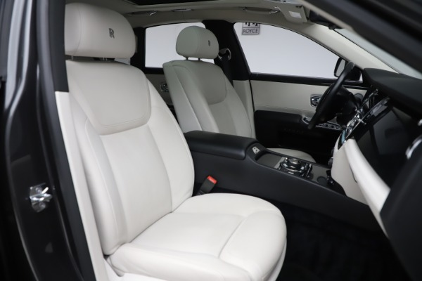 Used 2016 Rolls-Royce Ghost for sale $175,900 at Maserati of Greenwich in Greenwich CT 06830 14