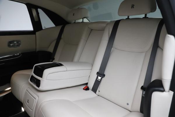 Used 2016 Rolls-Royce Ghost for sale $175,900 at Maserati of Greenwich in Greenwich CT 06830 15
