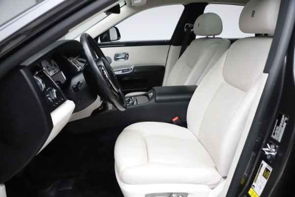 Used 2016 Rolls-Royce Ghost for sale $175,900 at Maserati of Greenwich in Greenwich CT 06830 17